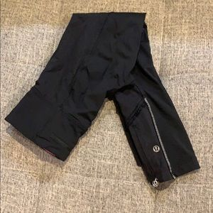 Lululemon Ruffle Bottom Black Leggings Size 4